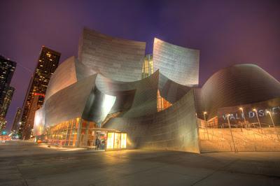 Edificio sorprendente - Arquitectura Moderna.