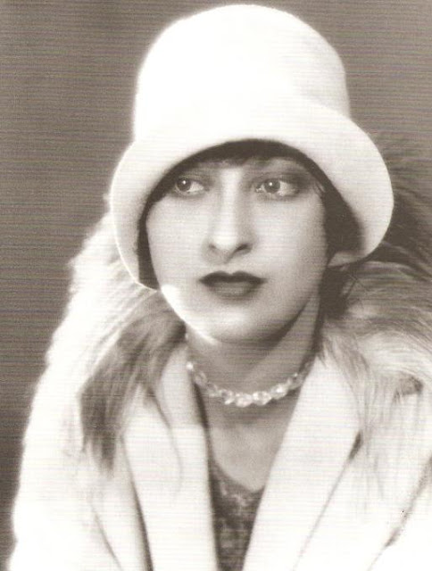 Ruth Harriet Louise Self-portrait, c. 1928