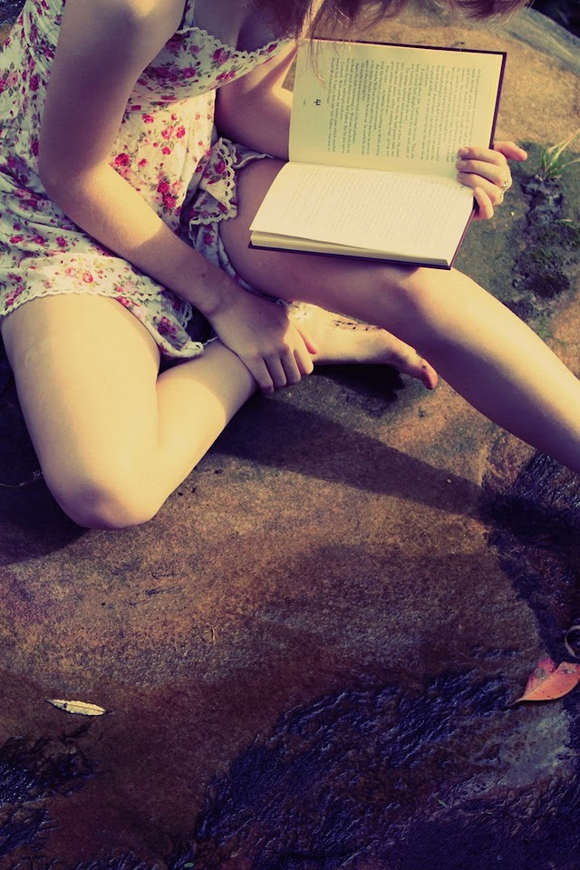 Girl Reading A Book   Galaxy Note HD Wallpaper