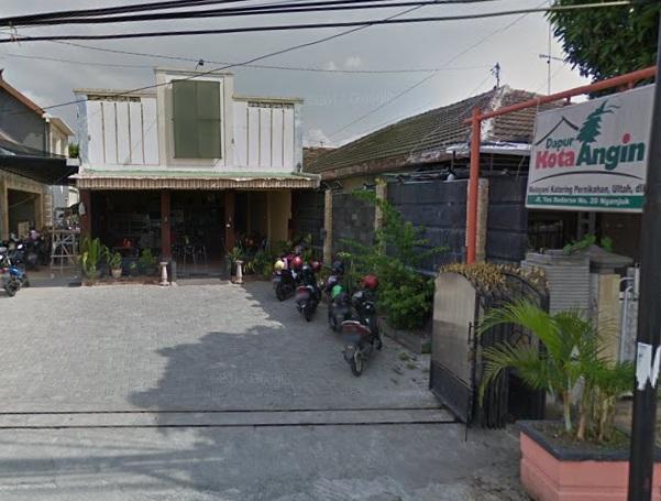 Dapur Kota Angin Nganjuk Ayam Kremes Menggugah Selera