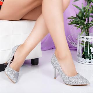 Pantofi Mouline cu gliter argintiu cu toc inalt de ocazii foarte eleganti