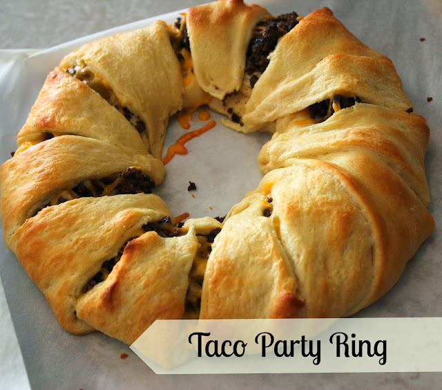 Want an easy idea for entertaining family and friends? This quick taco ring recipe is a hit at parties!