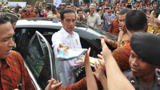 Percepat PP Pembayaran THR Jelang Pilpres, Jokowi Panik?