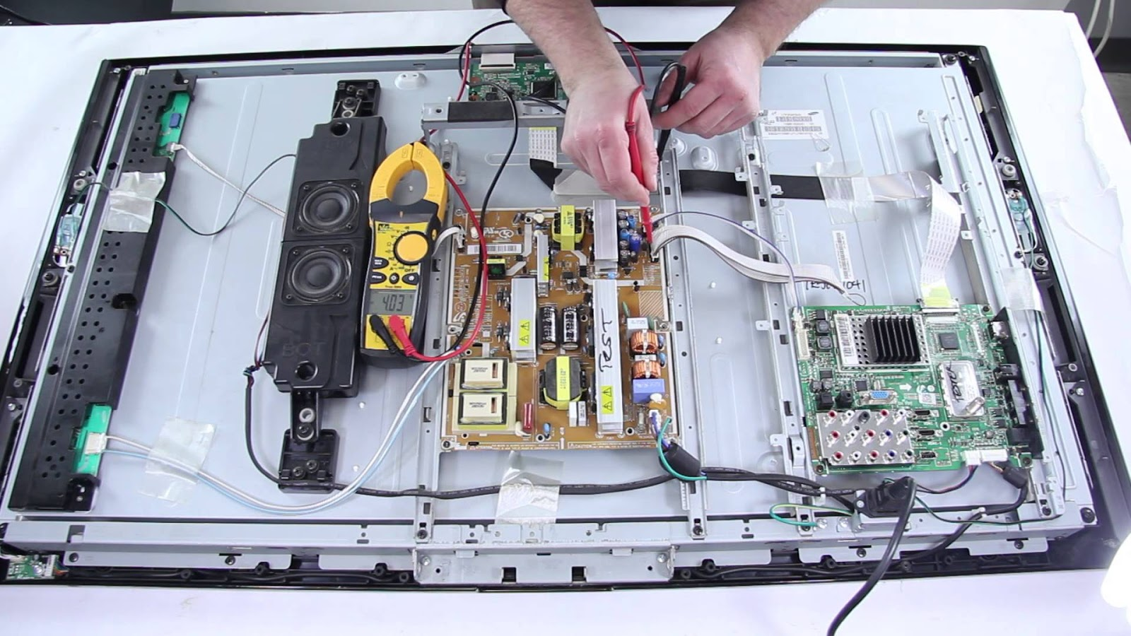 Guidelines For Flat Screen TV and Computer Repair In Chicago