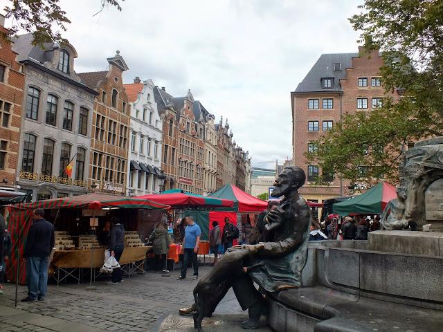 plazas con mercadillos bruselas