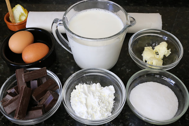 Ingredientes para milhojas con crema y chocolate