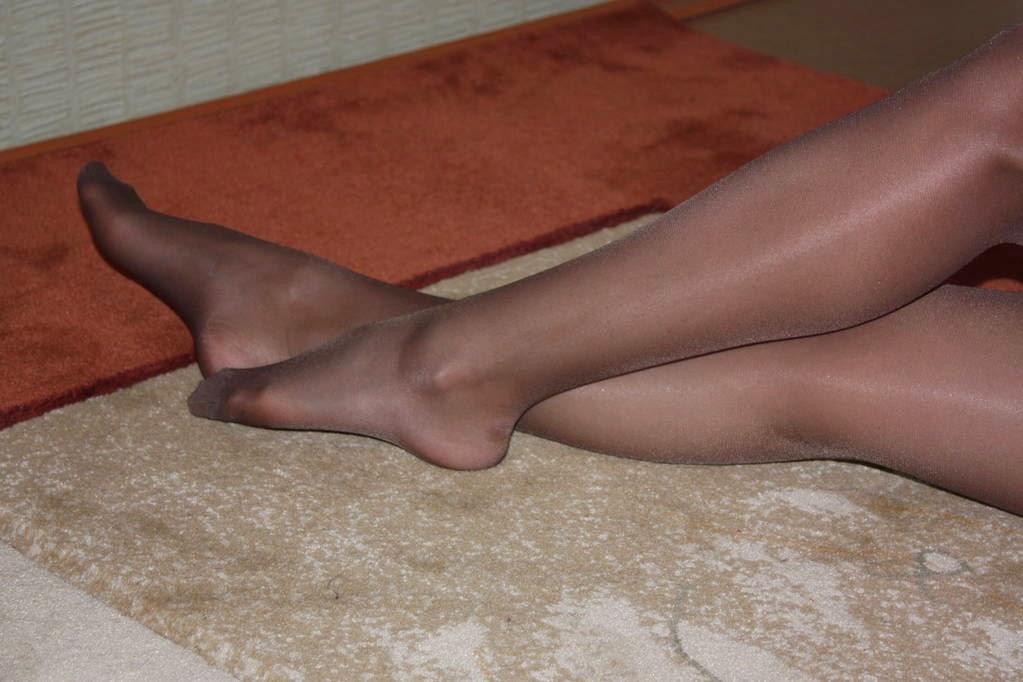 секс малолеткой колготки на женских ногах фото и видео что выбрал