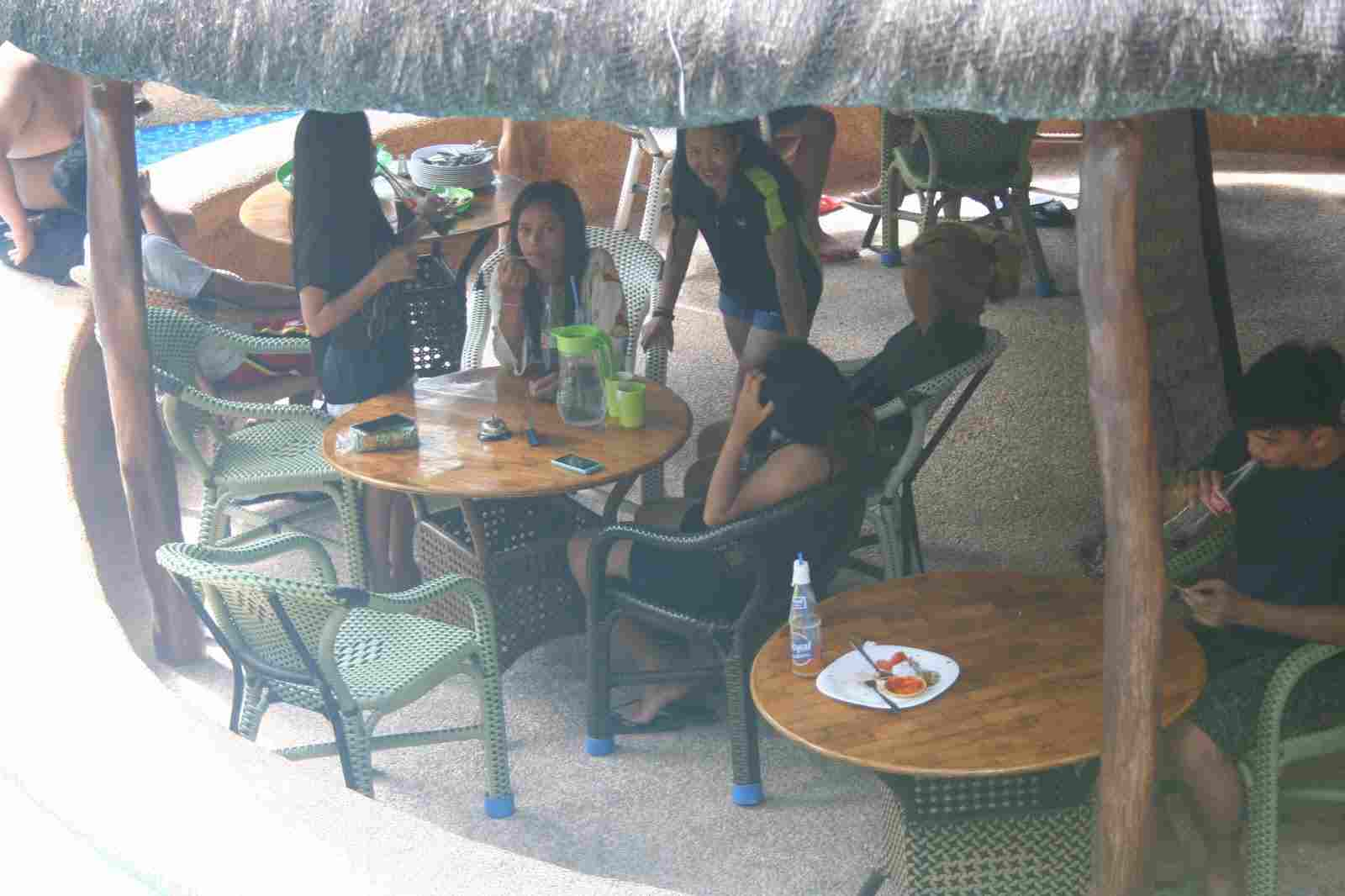 budget cheap resort in panglao white island bohol philippines in 2018, best travel summer vacation tour, panglao chocolate hills resort dining area, eating lunch