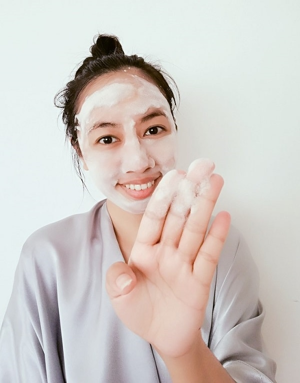 Onsaemeein Carbonated Scoria Bubble Mask Pack Review