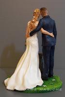 cake topper realistico sposa bionda sposi abbracciati statuine personalizzate matrimonio orme magiche
