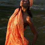 Renata Gonzalez Fotos Vestida De Color Naranja Foto 3