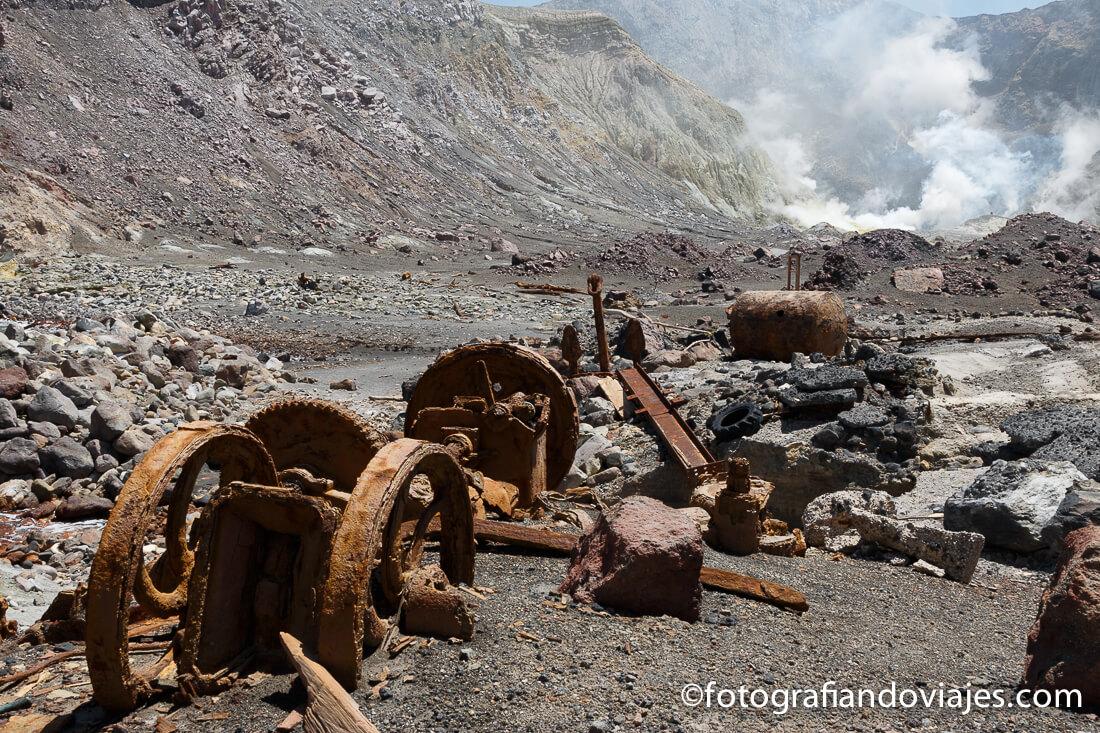 restos de la mina White Island, isla Blanca o Whakaari en Nueva Zelanda