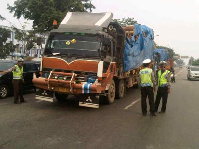 H-3 Lebaran Angkutan Berat Nonpoangan Dilarang Beroperasi