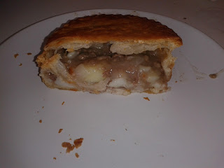 Barmies - Potato and Mince Beef Pie Review