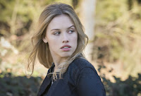 Nora Arnezeder in Zoo Season 3 (8)