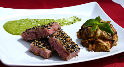 tonno fresco, sesamo, salsa basilico e menta