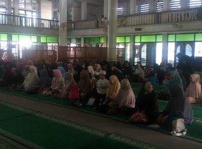 Ruqyah Syar'iyyah Mandiri Massal Tanpa Kesurupan Di Masjid Ar Rahman, Kampung Melayu, Banjarmasin