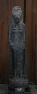 Estatua de la diosa egipcia Sekhmet-Mut