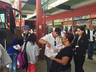 Saúde faz ação educativa na rodoviária de Teresópolis contra o mosquito Aedes aegypti
