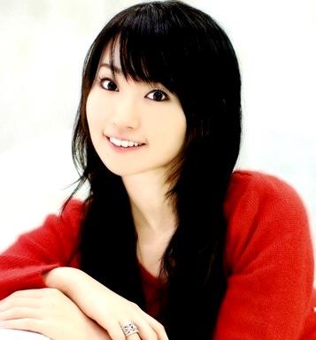 Foto de Nana Mizuki sonriendo