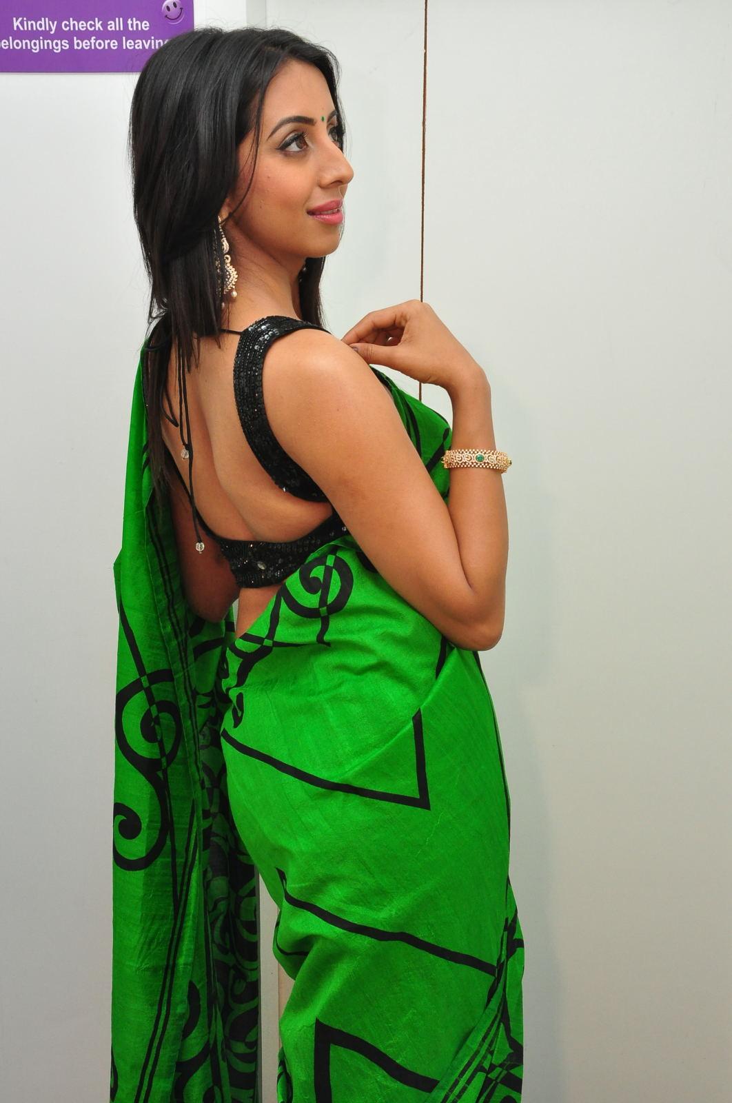 Sanjjana Glamorous at Naturals Saloon launch-HQ-Photo-6