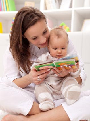 Cara mengajarkan bayi membaca