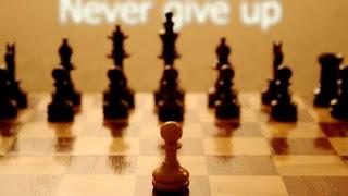 Kata Kata Motivasi figure chess typography never give up m10822