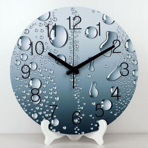 Часы на подствке