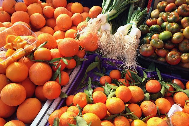 Oranges tomatoes onions - Playa Flamenca market Orihuela