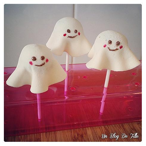 http://unblogdefille.blogspot.com/2015/10/recette-popcakes-fantomes-gateau.html