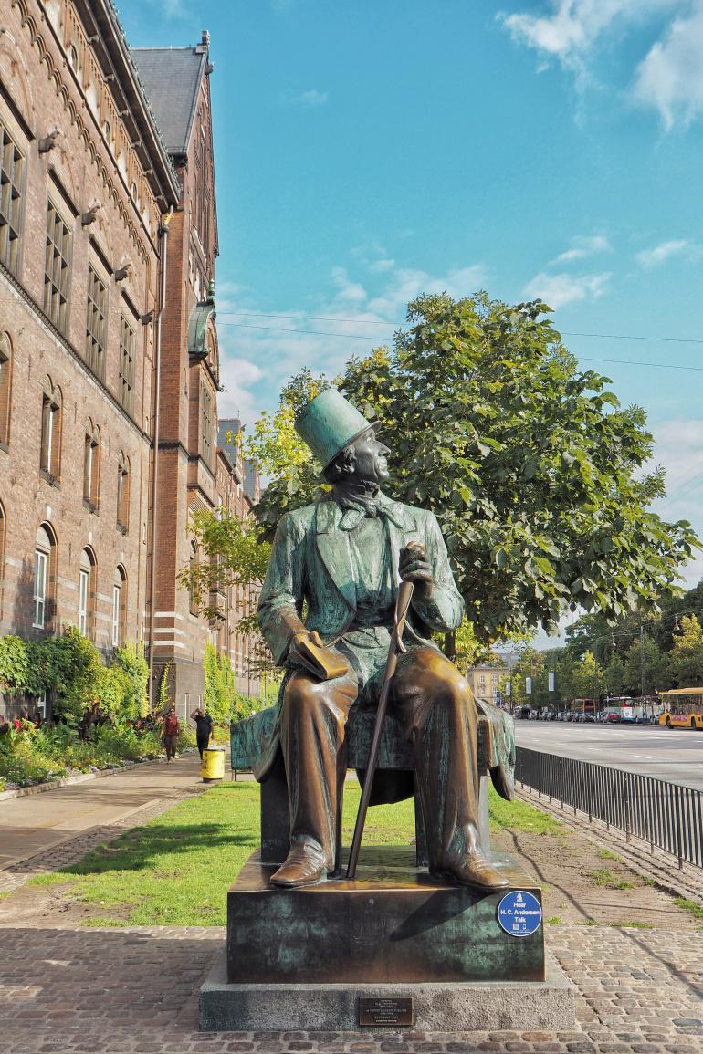 Statue de Hans Christian Andersen à Copenhague