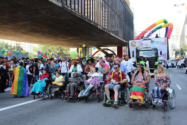 Pessoas-com-defici%25C3%25AAncia-na-Parada-do-Orgulho-LGBT-13