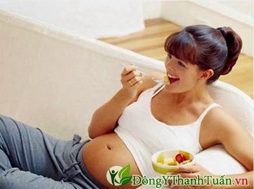 Đau dạ dày khi mang thai nên ăn thành nhiều bữa nhỏ