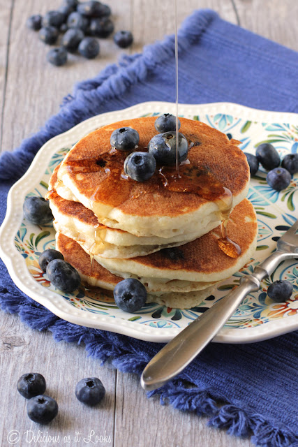 Low-FODMAP Fluffy Blueberry Pancakes  /  Cookbook from Delicious as it Looks