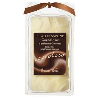 Petale de sapun cu parfum de ciocolata -rasfat garantat - comand de aici