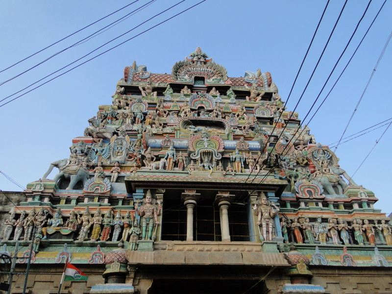 Минахме трета куличка през градската част на храма fab04cf9b2eed