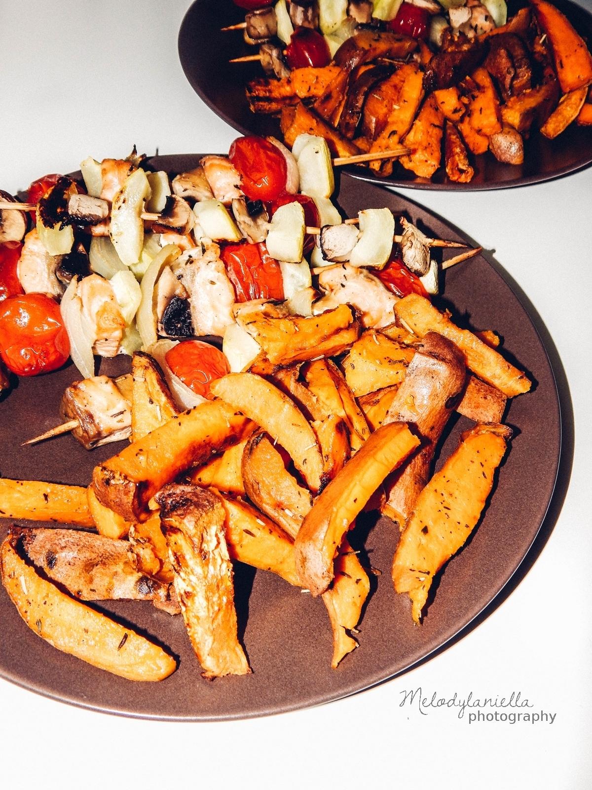 zdrowe gotowanie by ann anna lewandowska ksiazka kucharska recenzja melodylaniella jedzenie zdrowe ozywianie dieta porady fit health sportowa dieta.jpg szaszlyki z lososiem frytki z batatow przepi