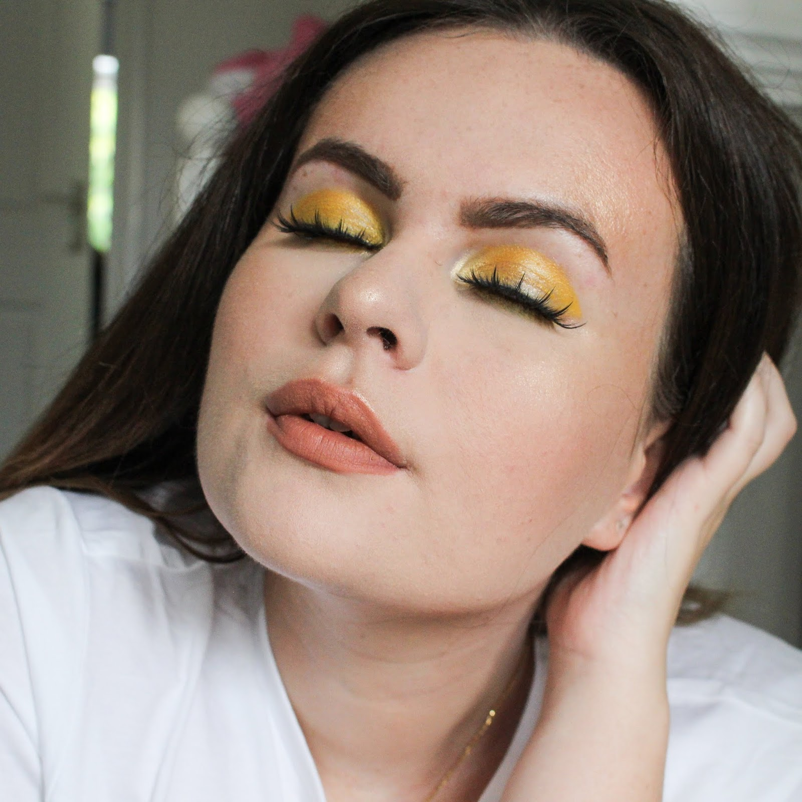 crayola beauty, crayola makeup, koko lashes, welovelashes, crayola makeup look, yellow eye look