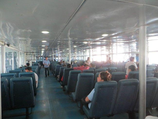 Кресло для пассажиров на пароме Seatran ferry