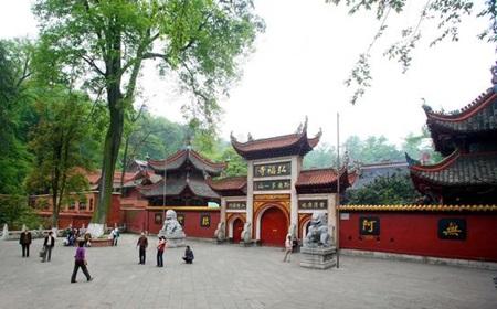 วัดหงฝู (Hongfu Temple: 弘福寺) @ www.lvmama.com