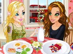 لعبة تلبيس اميلي وميسي في المطعم
