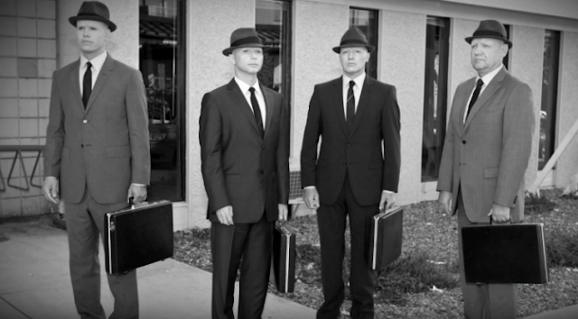 """Tổ chức """"Người áo đen"""" (Men In Black) bí ẩn chuyên săn lùng xóa dấu vết về UFO"""