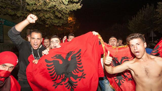 O Αλβανός Φλαμούρ Πίσλι, που σκότωσε τον Έλληνα και του έφτιαξαν άγαλμα! Ο Δολοφόνος που έγινε αρχηγός της Αλβανικής Αστυνομίας ....και η Ελληνίδα μάνα… ΑΘΑΝΑΤΟΣ ! (ΒΙΝΤΕΟ)