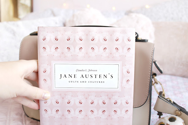 What's in my bag autumn edition: romantic handbag essentials