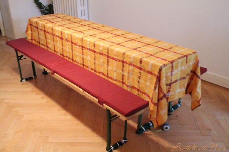 basteltante nina bierbankauflagen mit tischdecken. Black Bedroom Furniture Sets. Home Design Ideas