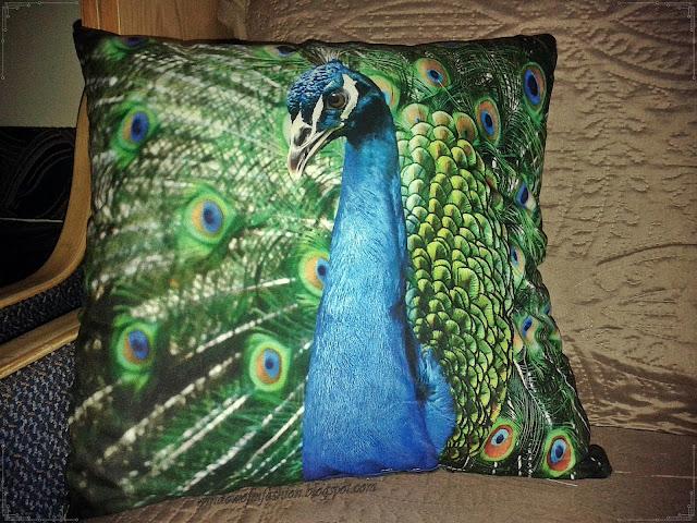 poduszka z pawiem Biedronka