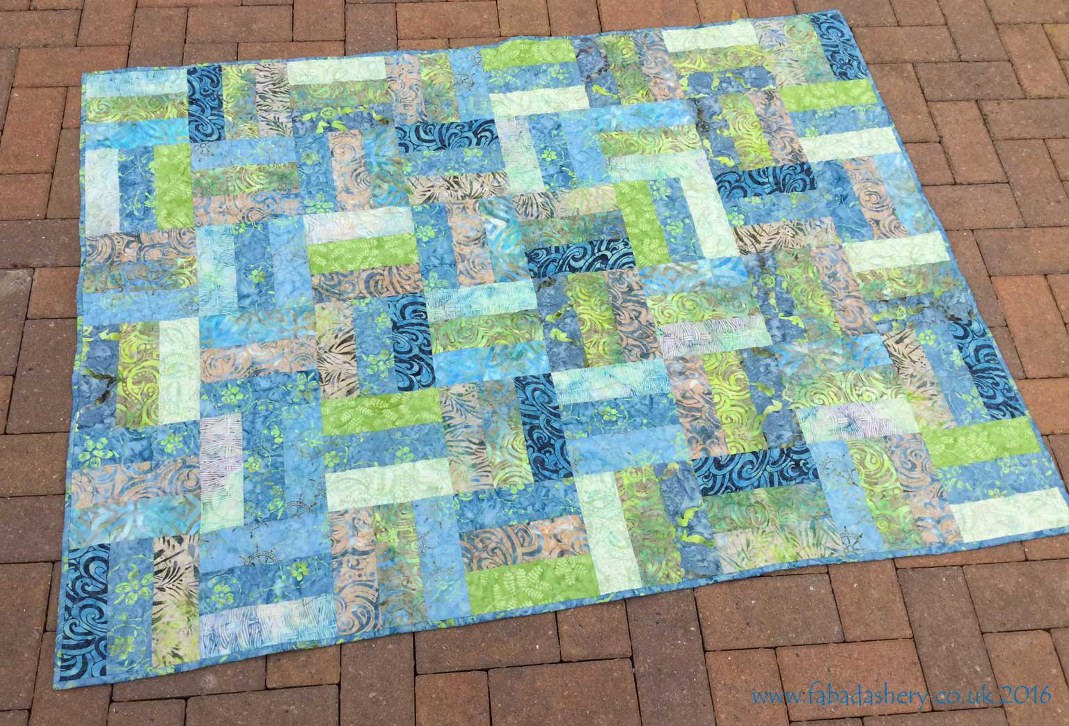 Fabadashery longarm quilting tonga treat rail fence quilt