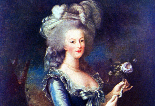 DOGBRINDLE.COM : Was that a smile on Marie Antoinette's ...