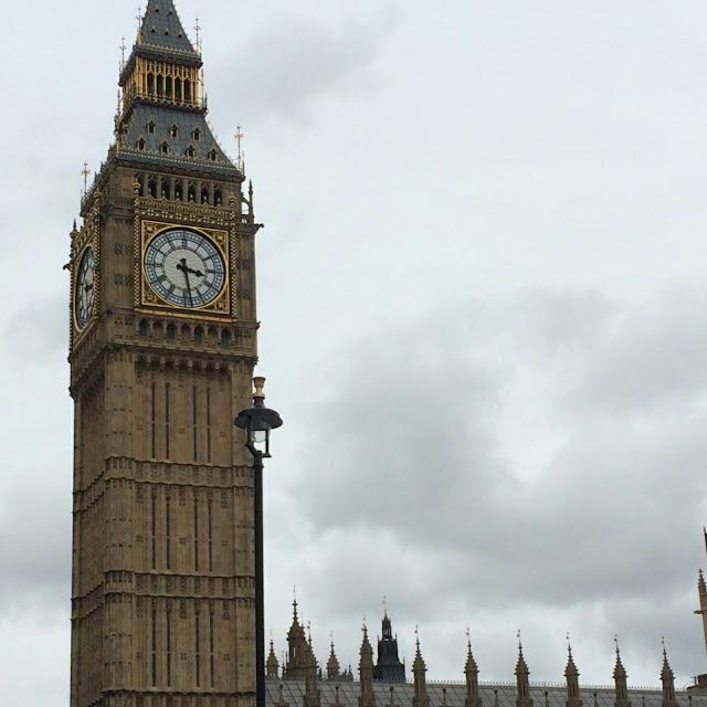 Big Ben grey sky