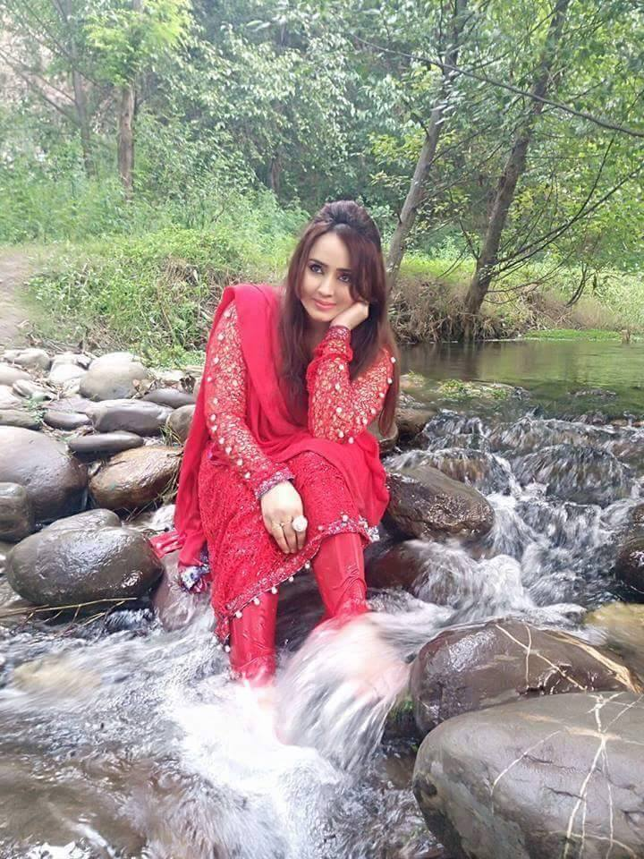 Pakistani Girls Latest Pictures - Pakistani Girls Pictures-8265